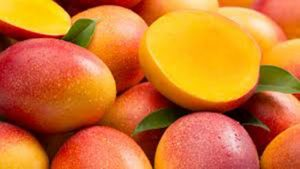 mangó egészben és felvágva